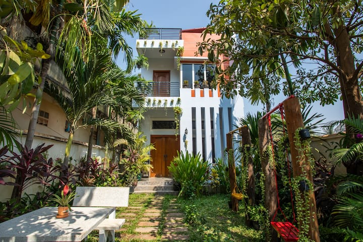 Modern Private Villa Near Angkor
