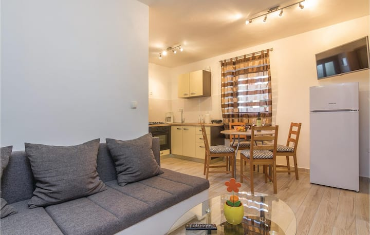 Amazing home in Peroj with WiFi and 2 Bedrooms