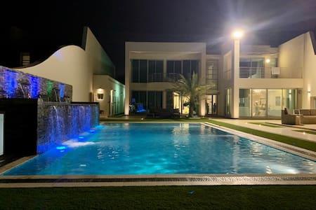 Durrat Albahrain  luxury summer villa