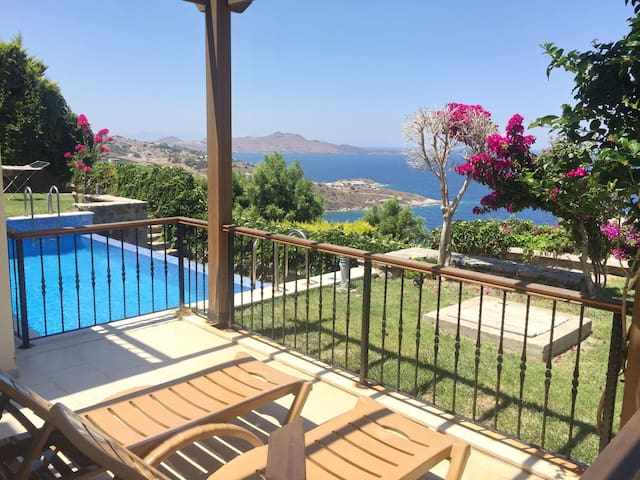 Amazing view luxury unit 2+2 w pool - yalikavak