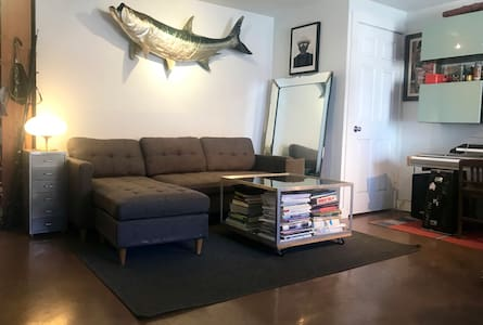 FISHGRALA - Bedroom & Private Bathroom + Backyard