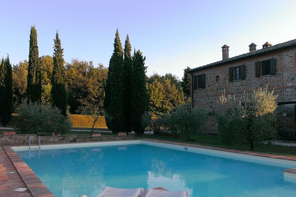 Vista lato piscina