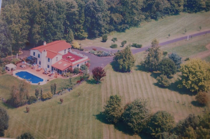Guest Wing in Upscale Home, Horse Farm