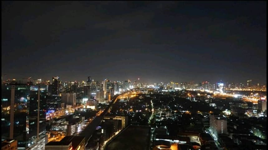 24th Floor Luxury Condo +Airport Link (Cheapest)