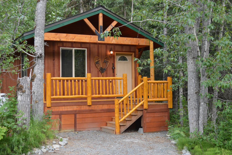 Inn The Woods Cabin - Summit Lake Lodge