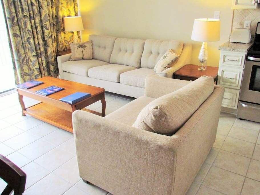 Couch,Furniture,Oven,Lamp,Table Lamp