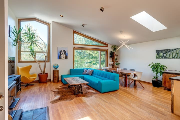 Beautifully Renovated 3 Bedroom Home with Loft