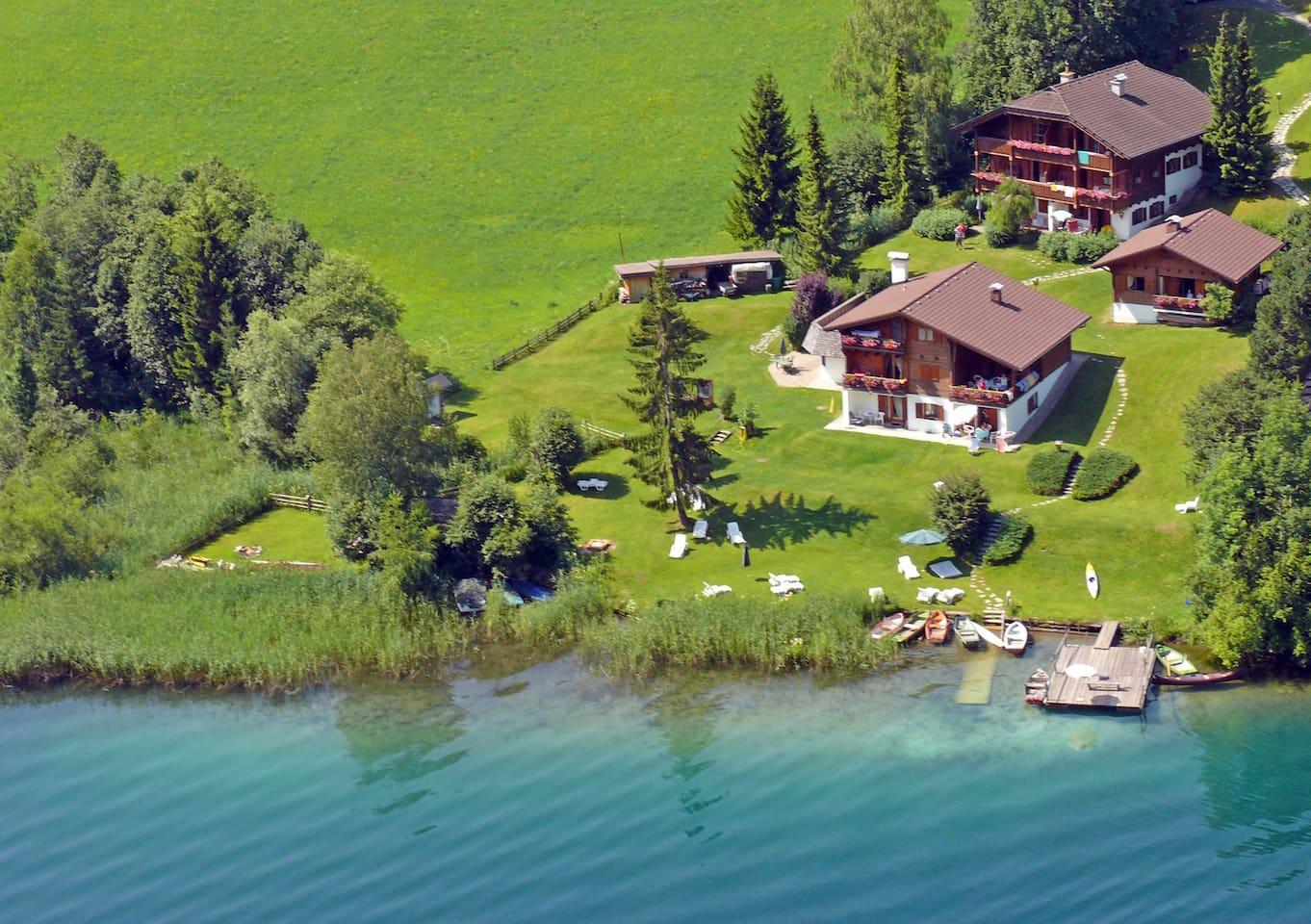 Märchenhafte Anlage   Chalets Zöhrer - Wohnen am Wasser, Ferienwohnungen direkt am See (Weissensee, Kärnten,  Österreich), apartments, directly at the lake