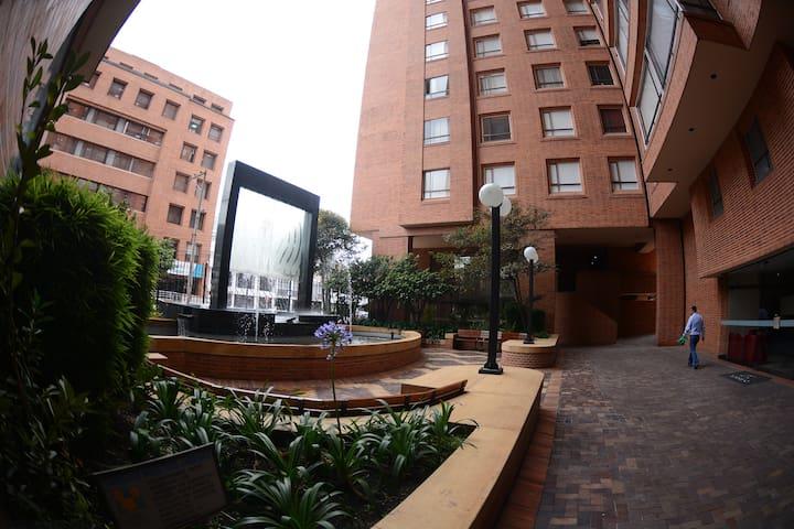 Habitación ZONA ROSA  + GYM + WiFi - Bogotá - Apartemen