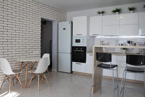 Новая, уютная квартира в Солнечном.