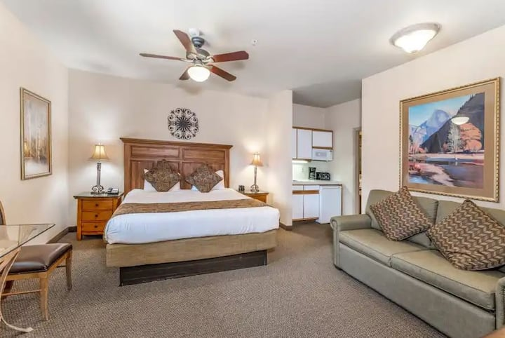 Ridge Tahoe Studio Hotel Unit - Close to Heavenly