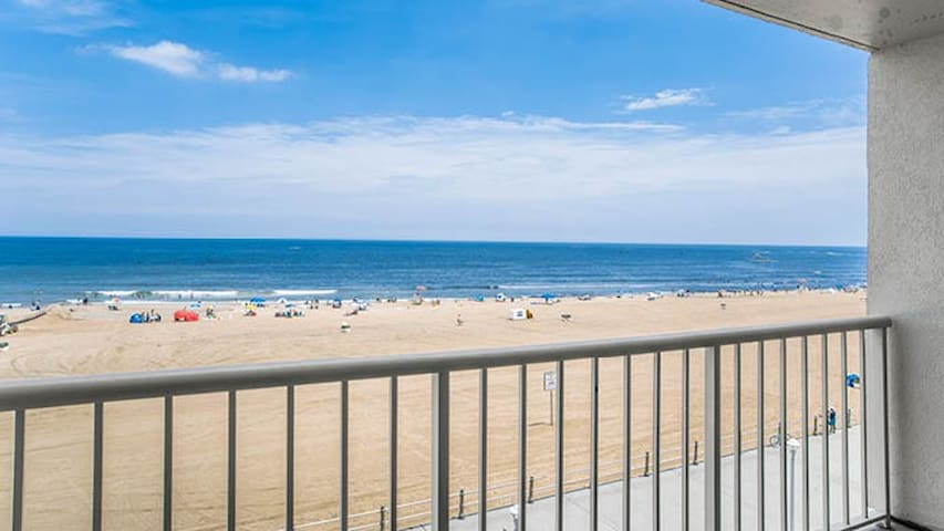 Virginia Beach Private Balcony July 25-Aug 1 2020