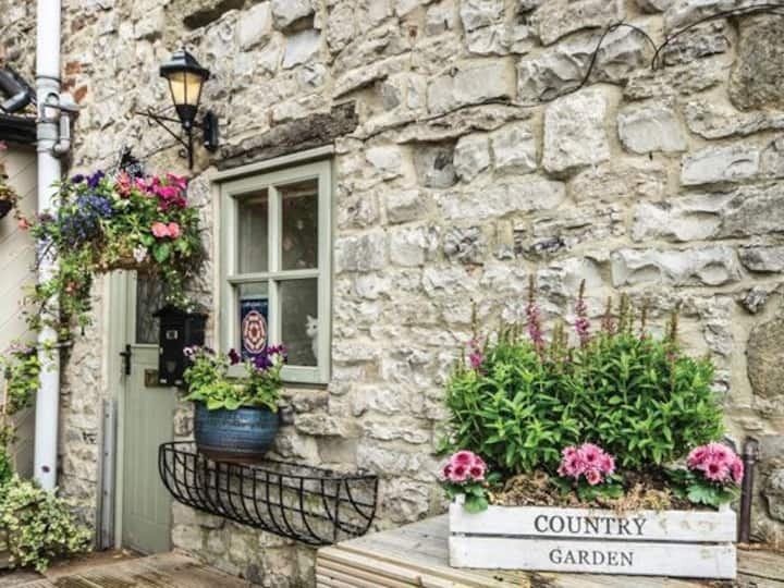 Nanny Peggys Country Cottage, Ashford-in-the-Water