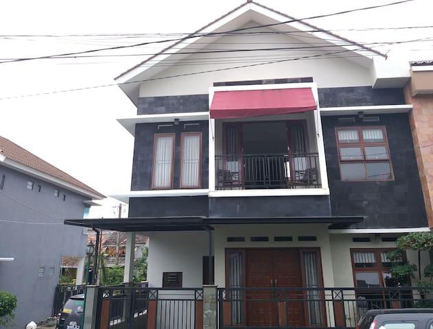 Dwicaksono House