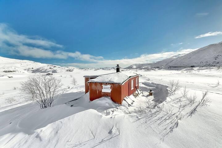 Mysig stuga på Bjørnfjell