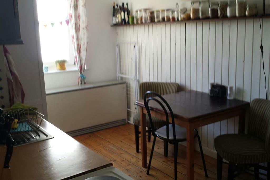 Küche, gemütlich Platz für 4 Leute