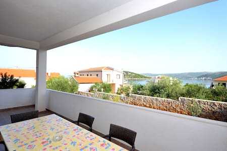 Apartment Mirta (22751-A1) - Primošten