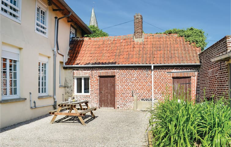Holiday cottage with 5 bedrooms on 190m² in Volckerinckhove