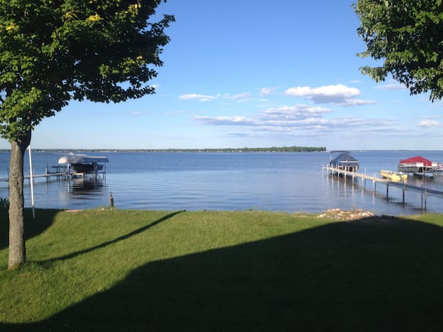 Lakefront Escape at Michigan's largest inland lake - Houghton Lake - Rumah