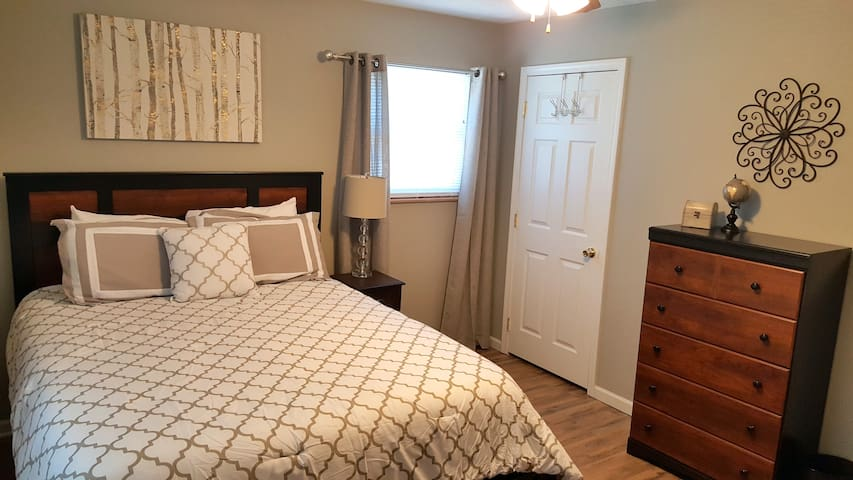 The Franklin: Cozy 2 Bedroom Apartment - Jefferson City - Appartement