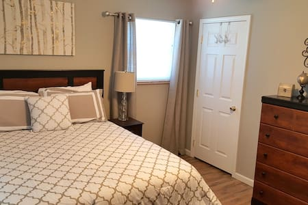 The Franklin: Cozy 2 Bedroom Apartment - Jefferson City - Pis
