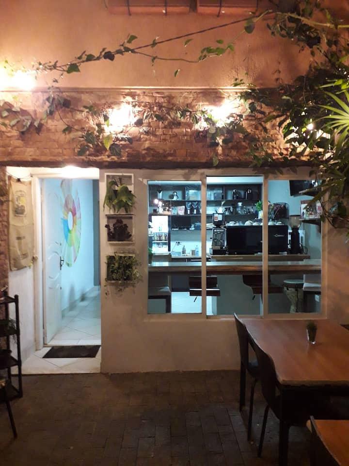 Café, Cowork e Hospedagem! 3