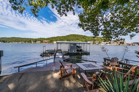 ! Remote & Relaxing Lake of the Ozarks Getaway