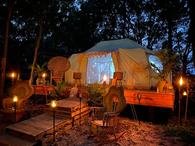 Glamping at Harlows Hideaway Camp-cation! Heated.