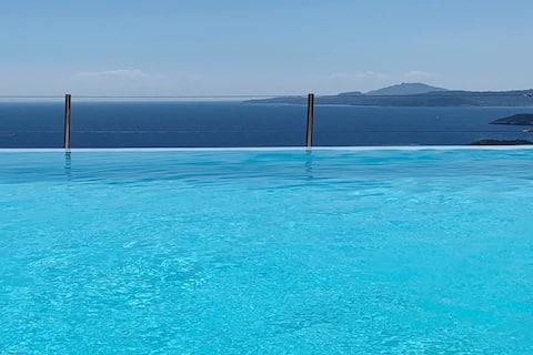 Villa Anatoli: Infinity pool & panoramic sea view
