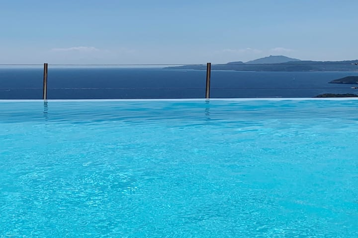 Villa Anatoli: Infinity pool & panoramic sea view