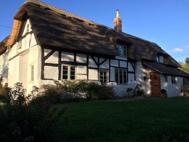 Brookside Cottage, a peaceful country setting