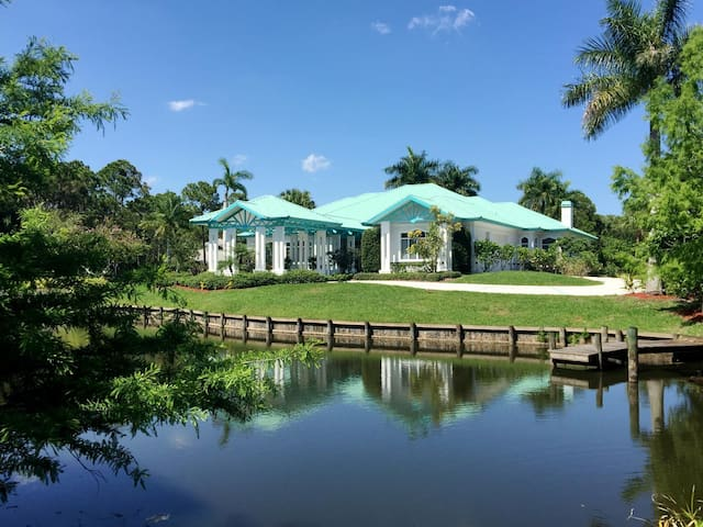5,400 SF Tropical Retreat-Ideal 4 Large Groups-5Ac