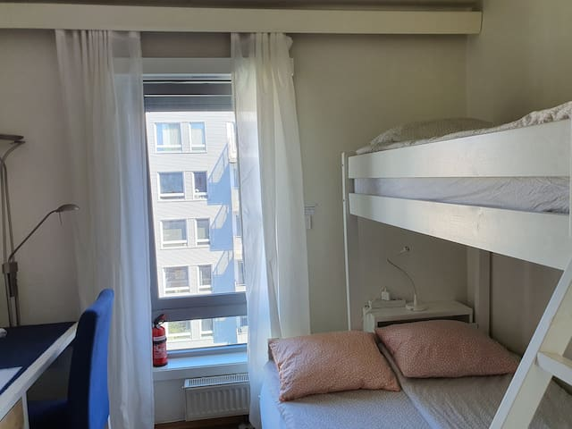 ★★Small private room by Oslo Central station