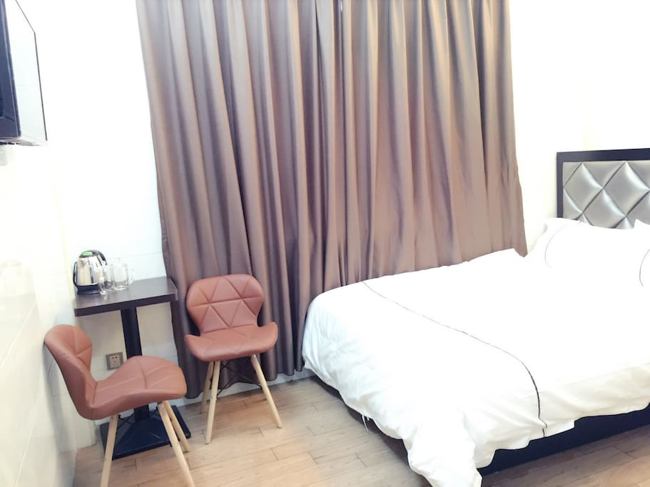 卧室402