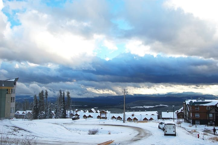 The mountain air of Big White is calling your name