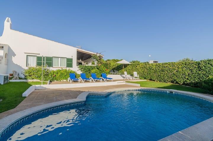 """Maison de vacances """"Villa Caluma"""" avec piscine, jardin et Wi-Fi"""