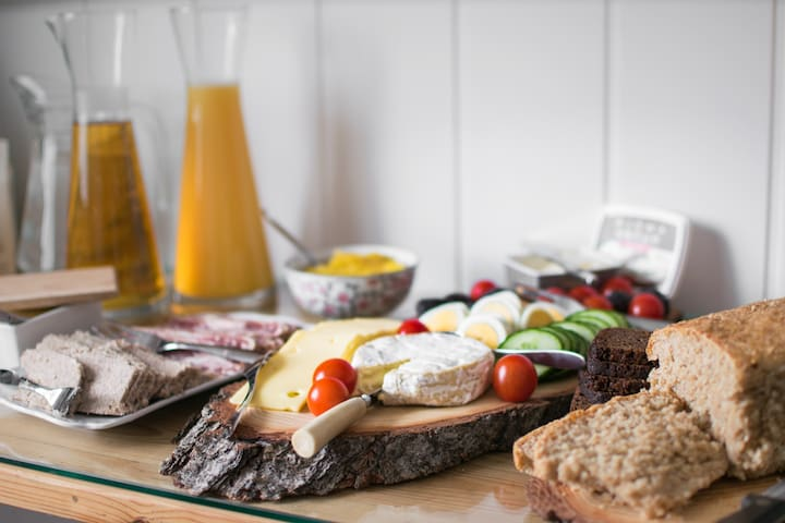 An Icelandic and homemade breakfast is included