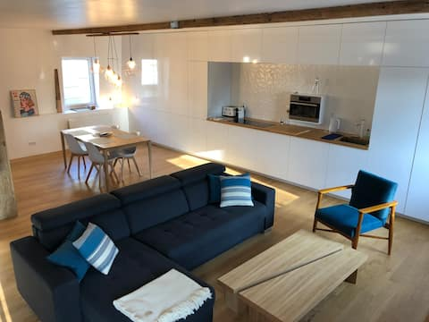 Amazing loft, close to beaches and the old city