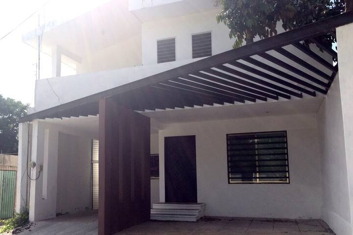 Habitación en una casa del centro - Mérida - House