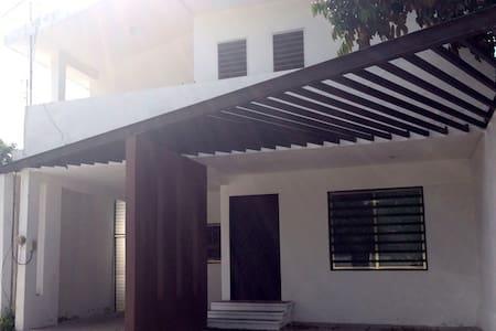 Habitación en una casa del centro - Mérida