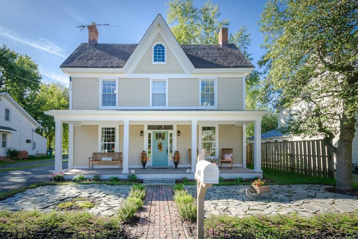 New! Charming Farmhouse in Historic Village Center