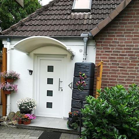freundlich und modern apartments for rent in neum nster schleswig holstein germany. Black Bedroom Furniture Sets. Home Design Ideas