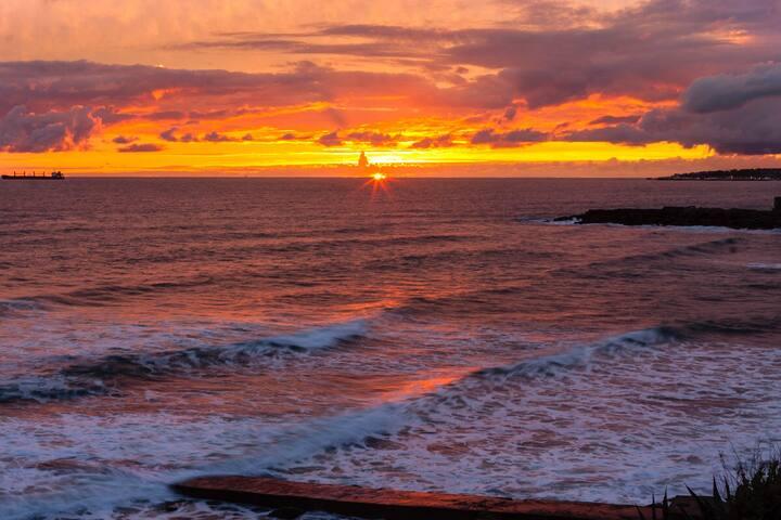 Sunset at Poça beach