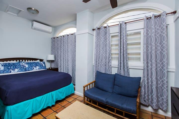 Standard  Queen - Room 4