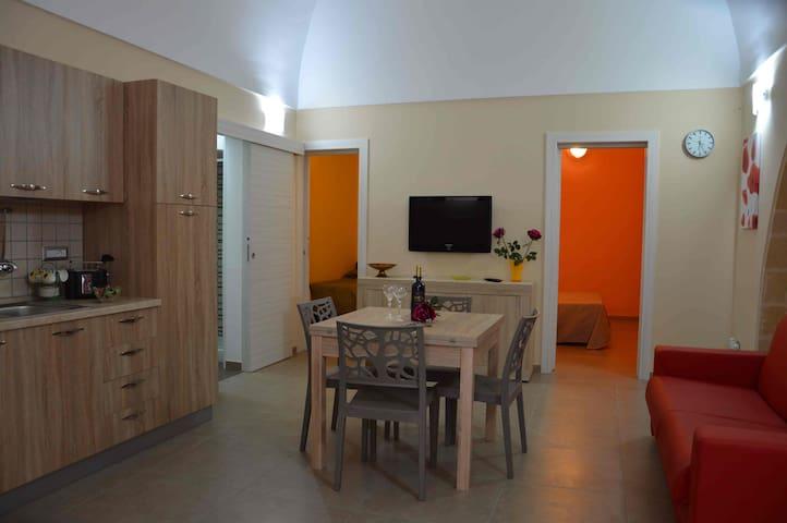 IL RIFUGIO AL CENTRO STORICO - Oria - Apartamento