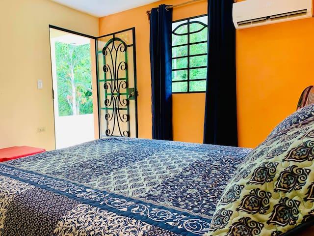 Villa Idioma Sol (3/4) - Habitación Yoruba