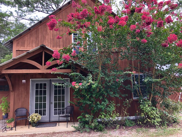 Chickamauga Farm Stay- great for families & dogs