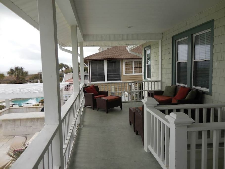 Deck,Porch,Couch,Furniture,Balcony