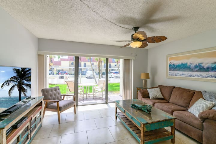 Right on the Ocean - Ground Floor & Pet Friendly