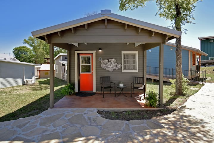 Tiny House 814 at the MLF Community First Village